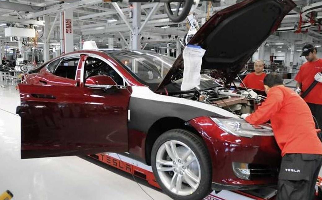 Tesla ferme sa première usine européenne